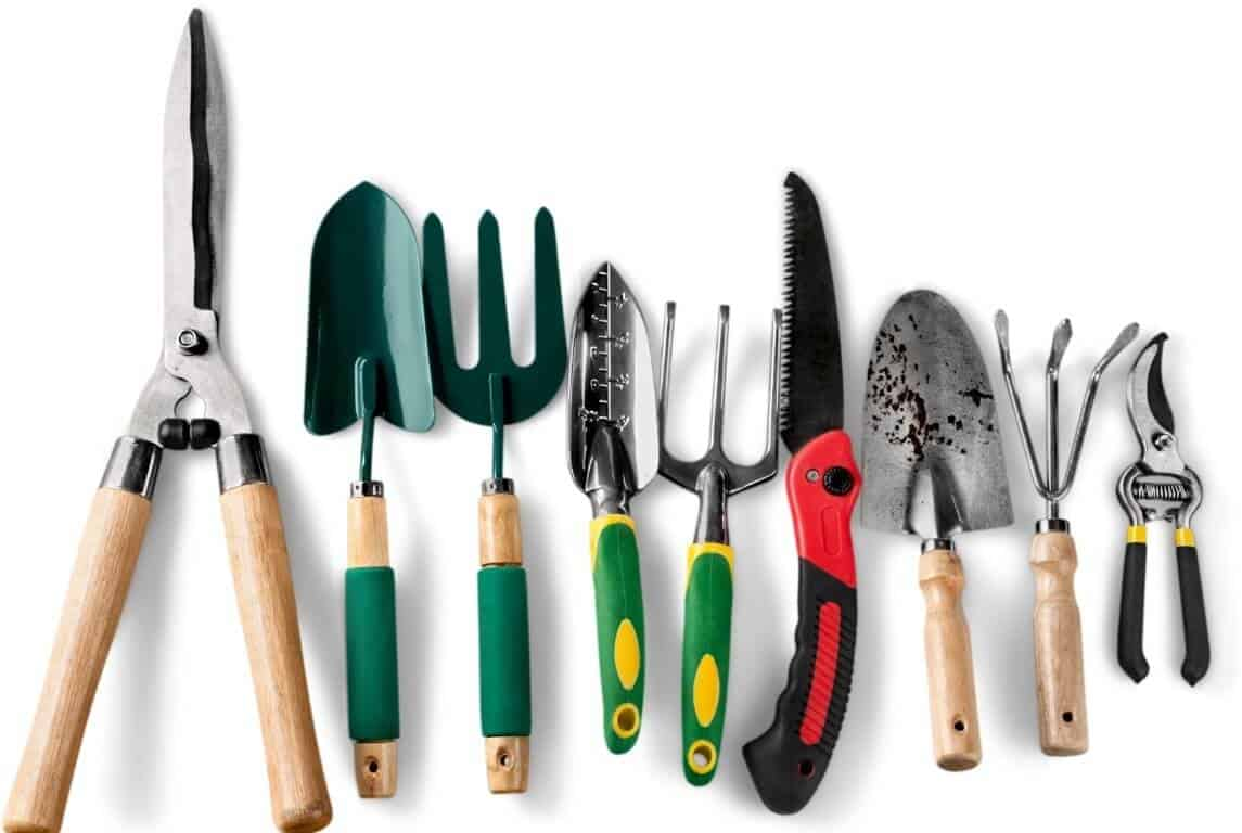 How to Use Garden Tools 1